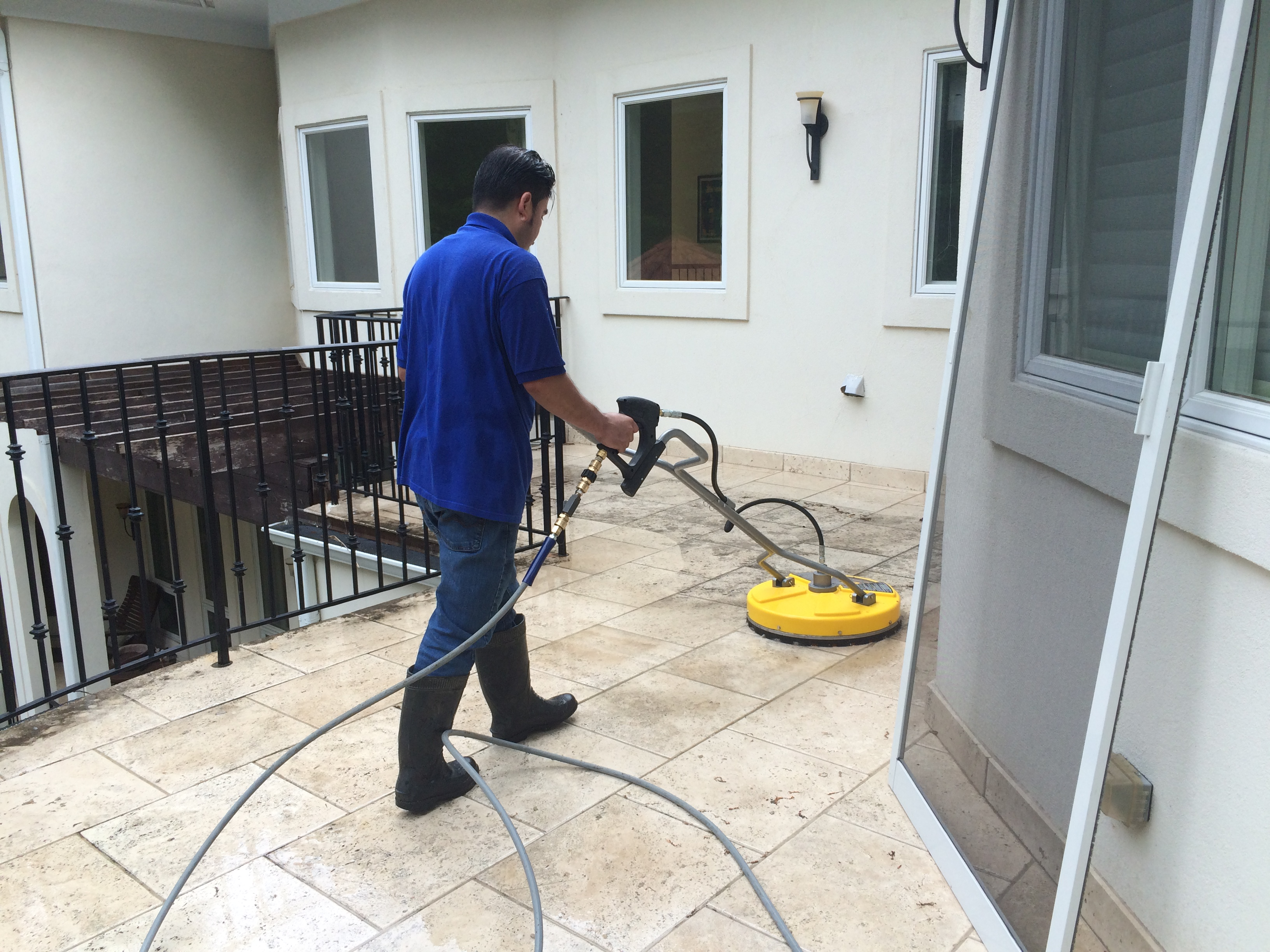 Pressure washing service breezall for Driveway cleaning companies
